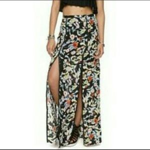 EUC Volcom Floral Split Seam Skirt